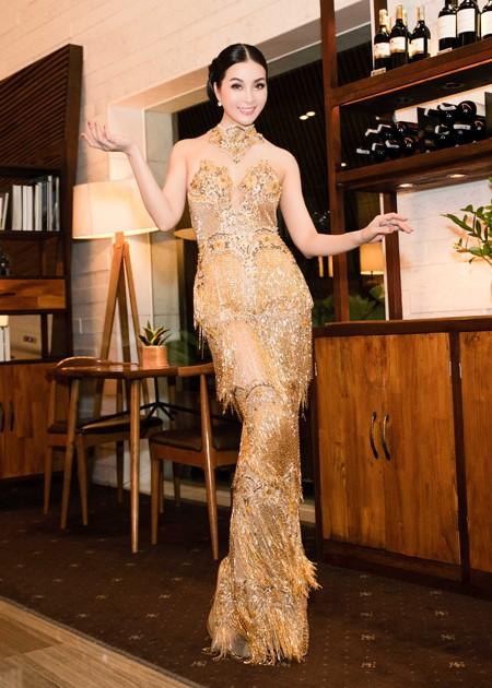 Diện váy đính 3.000 viên pha lê, MC Thanh Mai khoe vóc dáng gợi cảm ảnh 6