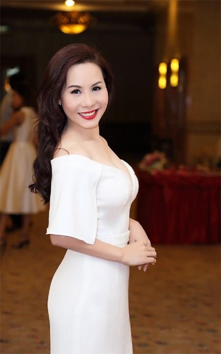 Nữ hoàng doanh nhân Kim Chi đẹp rạng ngời hút ánh nhìn ảnh 6