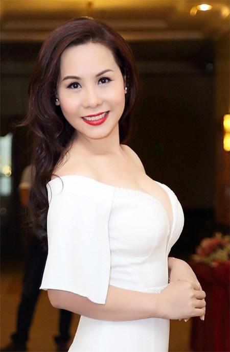 Sức hút khó cưỡng của các mỹ nhân Việt sở hữu vòng một quyến rũ