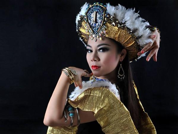Đỗ Hồng Hạnh luôn có những sáng tạo không ngừng để trau dồi nghệ thuật múa bụng.