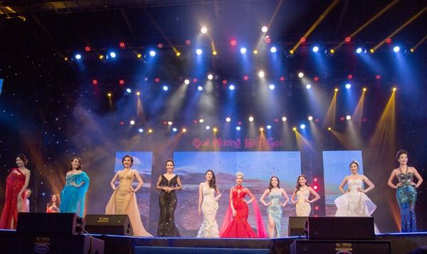 Hoa hậu Ngọc Diễm cùng dàn mỹ nhân đấu giá tặng sinh viên nghèo ảnh 11