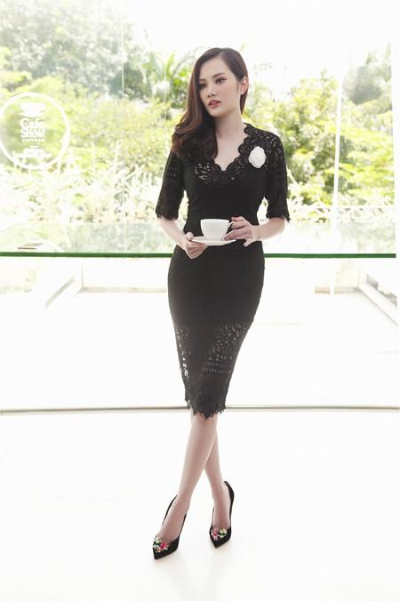 Từng là một siêu mẫu, với chiều cao lý tưởng và thân hình gợi cảm, Diệu Linh luôn làm rất tốt vai trò người mẫu trong những bộ ảnh với trang phục do chính mình thiết kế.