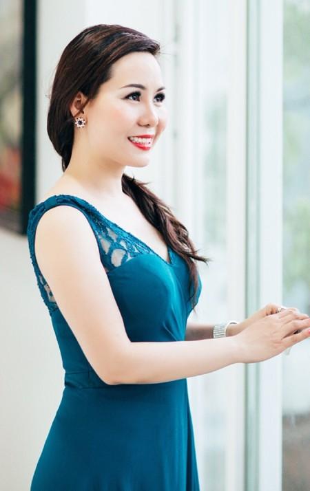 Nữ hoàng doanh nhân Kim Chi đề xuất giải pháp giảm bạo lực học đường