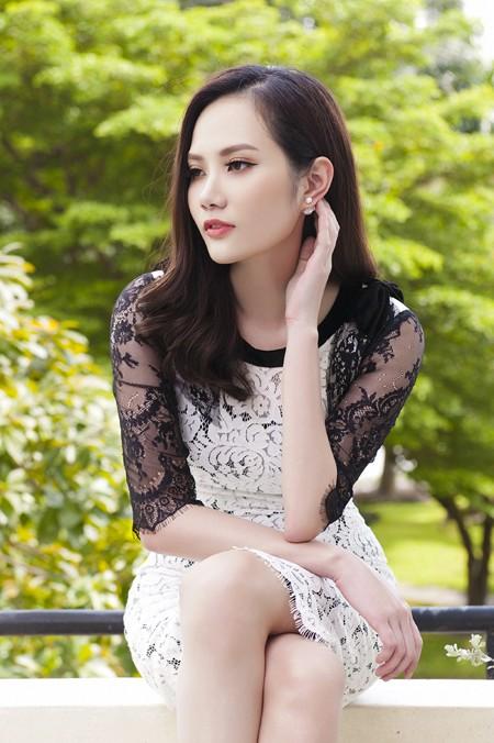 Mải mê với sự nghiệp kinh doanh thời trang, chính vì thế thỉnh thoảng người hâm mộ mới thấy Diệu Linh xuất hiện tại các sự kiện giải trí.