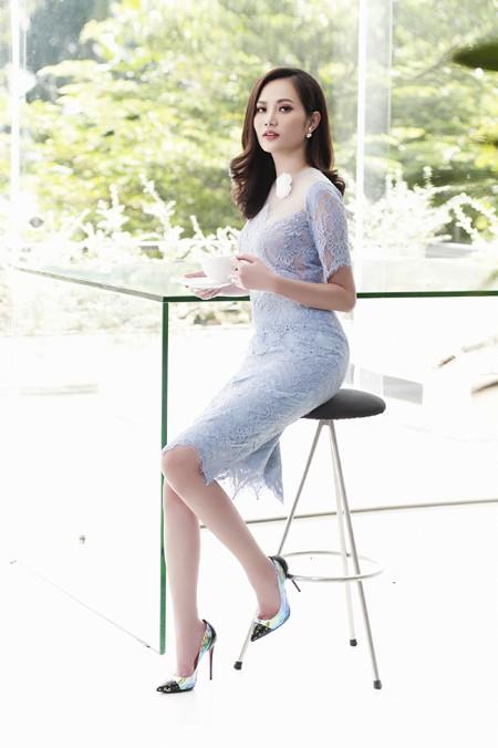 Từ việc đam mê thời trang, Diệu Linh dần dần mày mò, học hỏi và cho ra đời nhiều bộ trang phục đẹp mắt dành cho chị em.