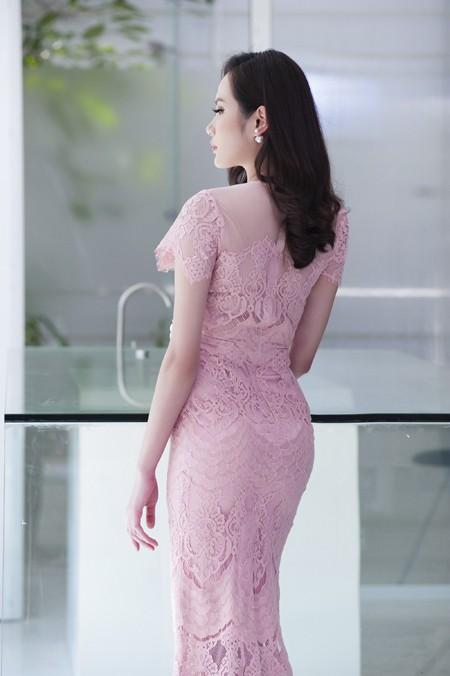 Ngoài những khách hàng thân thiết là hoa hậu, người đẹp nổi tiếng trong showbiz, Diệu Linh còn hướng đến nhiều đối tượng khách hàng khác nhau.