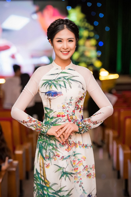 """Ngọc Hân - Tố Như """"đọ sắc"""" với phong cách thời trang đối lập ảnh 6"""