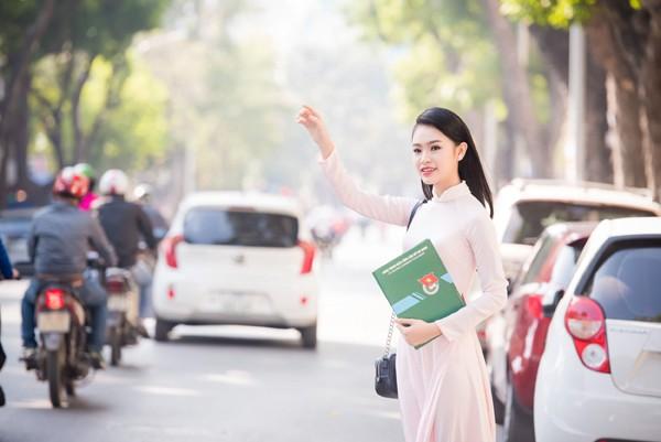 """""""Cô gái vàng"""" Hoa hậu Việt Nam """"hút mắt"""" với áo dài ảnh 8"""