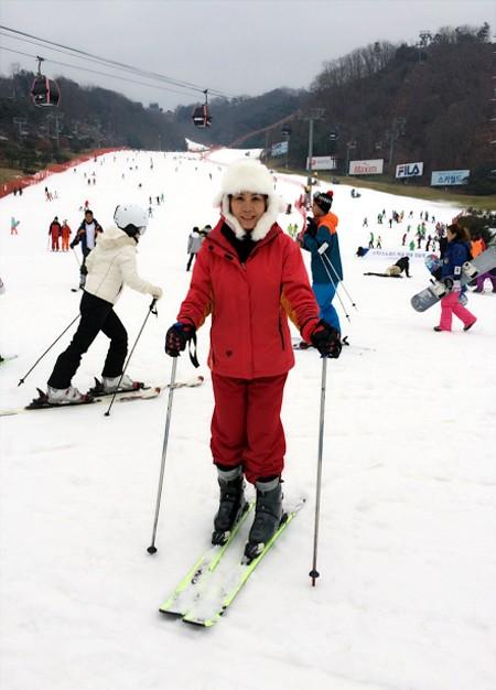 Nữ hoàng doanh nhân Kim Chi đón Giáng sinh sớm ở Hàn Quốc ảnh 1