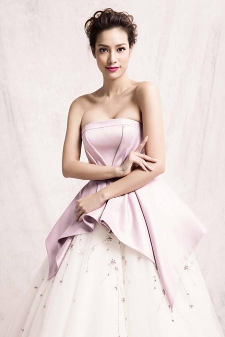 """Lilly Nguyễn hoá thân """"công chúa tuyết"""" khoe vẻ đẹp gợi cảm ảnh 1"""