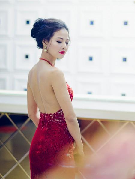 Hoa hậu Trần Thị Quỳnh tái xuất, khoe lưng trần gợi cảm ảnh 3