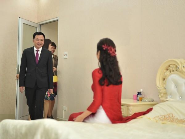 Ngất ngây trước vẻ kiều diễm của Hoa hậu Thu Ngân trong lễ ăn hỏi ảnh 3