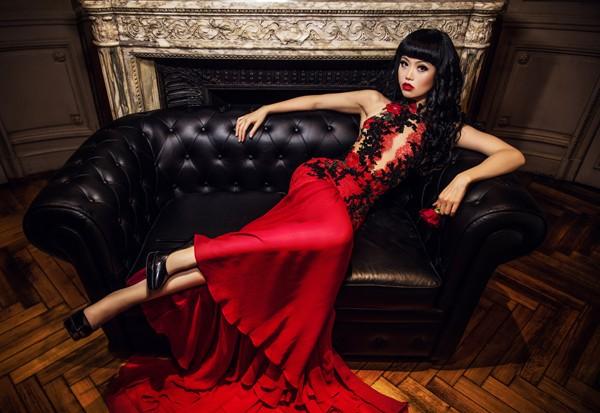 """Siêu mẫu Việt Nam """"khuấy đảo"""" sàn diễn Haute Couture năm 2017 ảnh 4"""