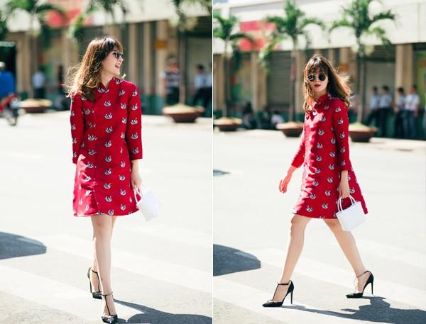 Điểm đặc biệt là những mẫu áo dài độc đáo và duyên dáng này đều do chính hai chị em Yến Trang, Yến Nhi thiết kế.