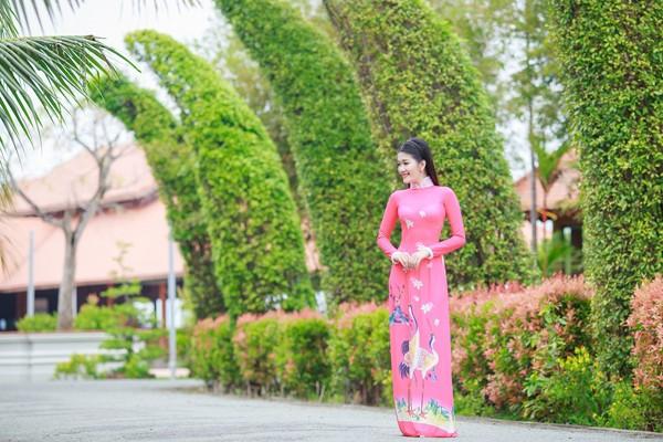 """Sau khi đăng quang ngôi vị Á khôi 2 của cuộc thi """"Người đẹp xứ Dừa"""" 2016, Xuân An là gương mặt được hy vọng sẽ tỏa sáng bằng các dự án nghệ thuật nghiêm túc."""