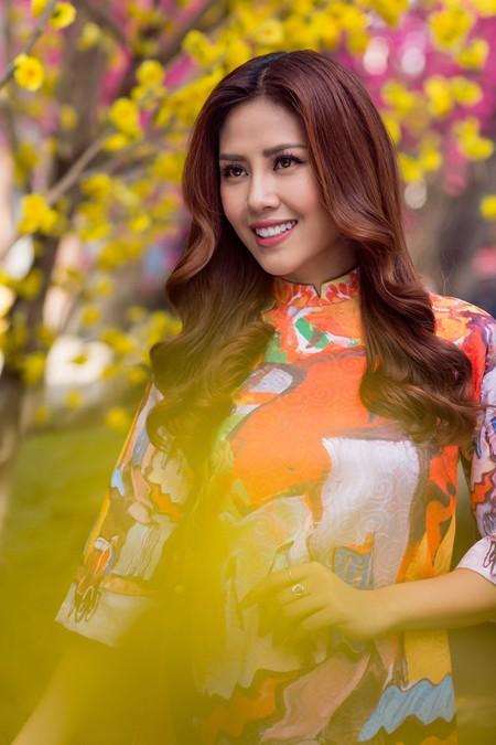 """Hoa hậu biển Nguyễn Thị Loan sẽ mở """"lò luyện người đẹp"""" ảnh 6"""