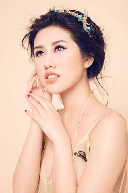 Nhan sắc mê hoặc của Top 9 Hoa hậu Du lịch quốc tế Emily Hồng Nhung ảnh 8
