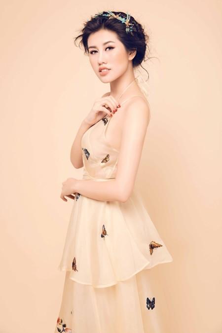 Nhan sắc mê hoặc của Top 9 Hoa hậu Du lịch quốc tế Emily Hồng Nhung ảnh 7