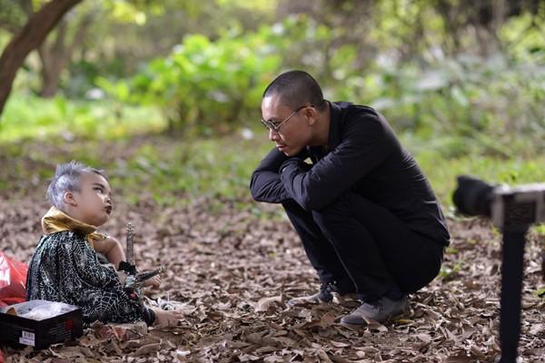 """""""Cô gái vàng"""" bellydance Đỗ Hồng Hạnh khoe ảnh con trai cực ấn tượng ảnh 7"""