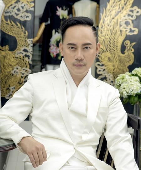 Nhà thiết kế Võ Việt Chung.