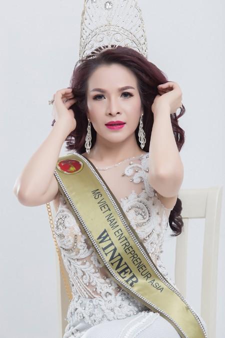 Đương kim Hoa hậu Doanh nhân người Việt châu Á Lê Thanh Thúy.
