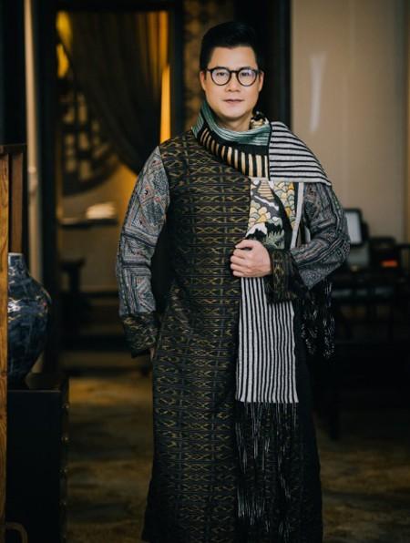 Hé lộ bộ sưu tập áo dài của NTK Vũ Việt Hà lấy cảm hứng từ người H'Mong Đen