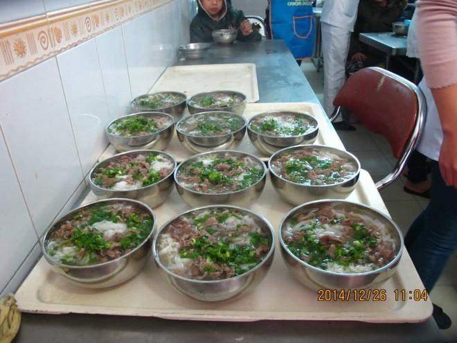 Noel muộn đầm ấm, ý nghĩa với trẻ em làng Hòa Bình - Thanh Xuân ảnh 4