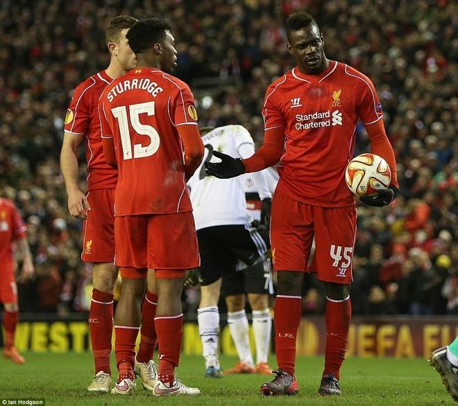 """Mario Balotelli tiếp tục làm fan Liverpool """"tức điên"""" ảnh 2"""