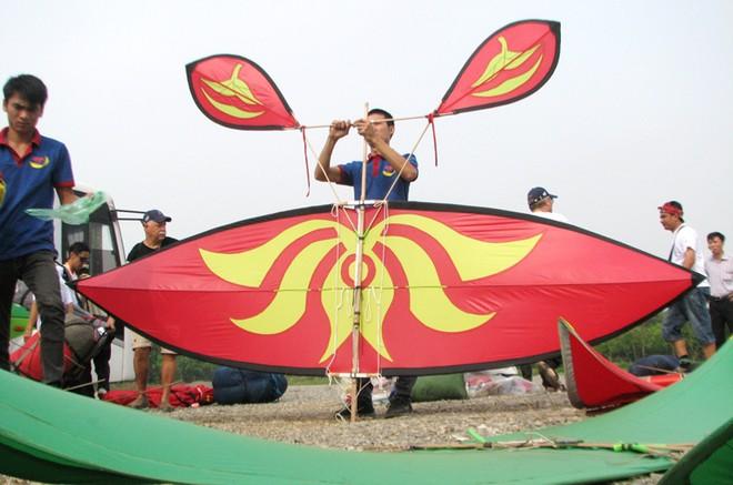 Khai mạc lễ hội diều độc đáo giữa Thủ đô ảnh 1