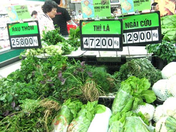 """Rau quả bán tại siêu thị đang bị """"mất điểm"""" vì vụ lùm xùm đưa vào rau tạp nham từ chợ đầu mối"""