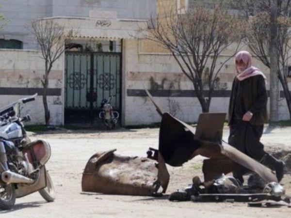 Bom thùng chứa clo đã được ném xuống 2 điểm ở Sarmin (Syria) hôm 16/3