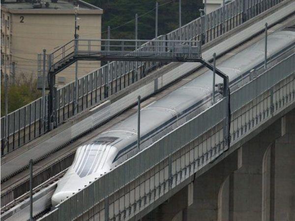Quá trình chạy thử nghiệm loại tàu mới được thực hiện trên tuyến đường đặc biệt dành riêng ở tỉnh Yamanashi, miền trung Nhật Bản