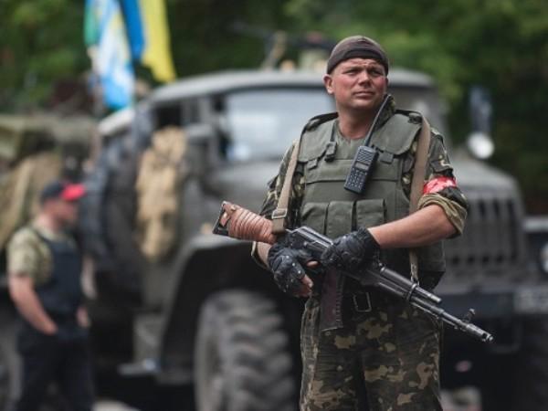 Miền đông Ukraine vẫn đang bị phân chia bởi những lực lượng quân sự phục vụ các mục đích chính trị khác nhau