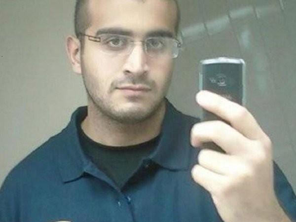 Tên Omar Mateen vẫn không quên nhắn tin hỏi han vợ trong khi bắn giết điên cuồng