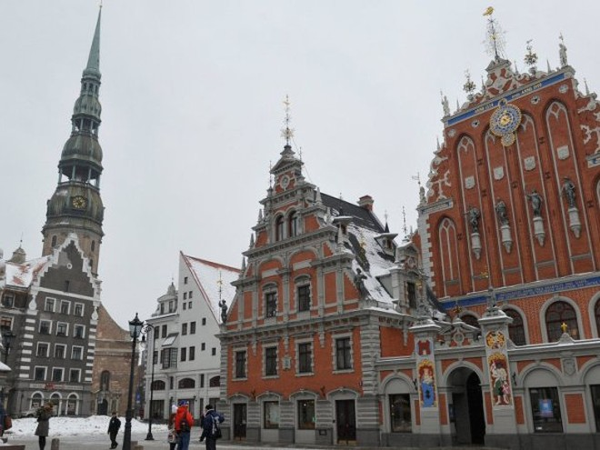 """Latvia không muốn gần một nửa số dân nói tiếng Nga cảm thấy """"cần có sự can thiệp từ Nga"""""""