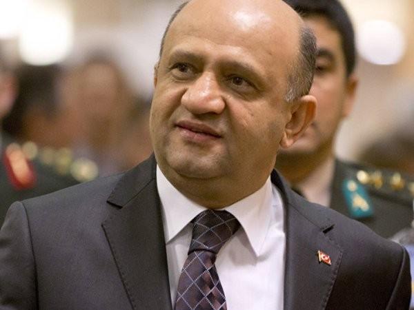 Bộ trưởng Quốc phòng Thổ Nhĩ Kỳ Fikri Isik