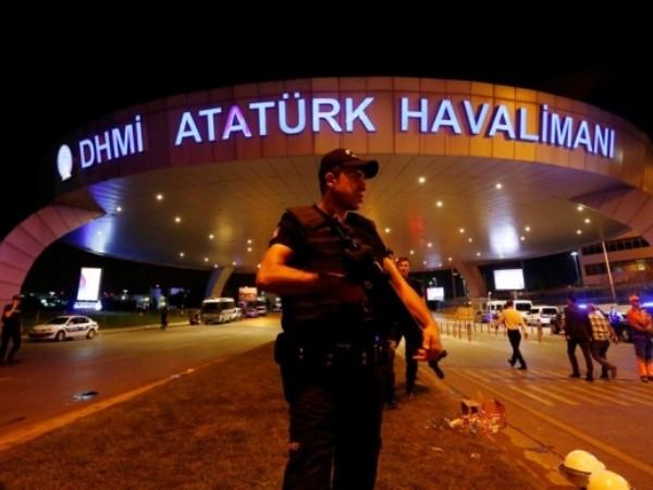 Thổ Nhĩ Kỳ áp dụng nhiều biện pháp kiểm soát mạnh tay để tránh một cuộc đảo chính tương lai
