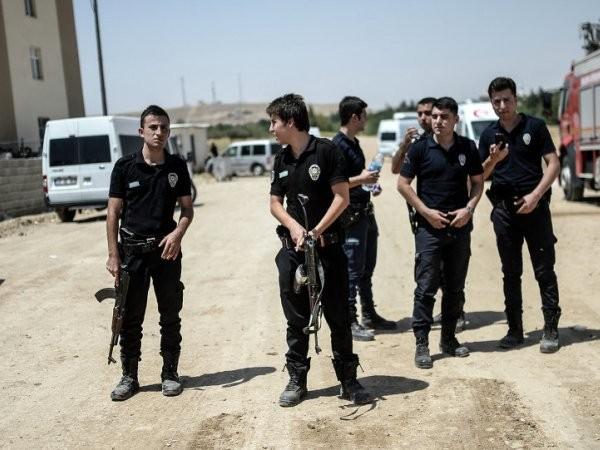 Sa thải hàng loạt, Thổ Nhĩ Kỳ gấp rút tuyển dụng lượng cảnh sát 'khủng' ảnh 1