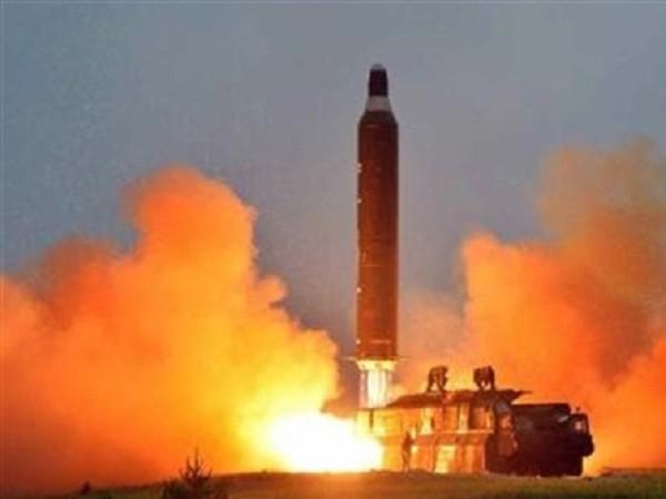 Triều Tiên liên tiếp phóng thử tên lửa tầm trung trong thời gian gần đây