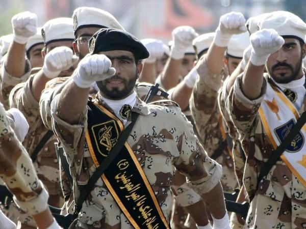 """Quân đội Iran đang """"nín thở"""" chờ... ông Donald Trump nhậm chức"""