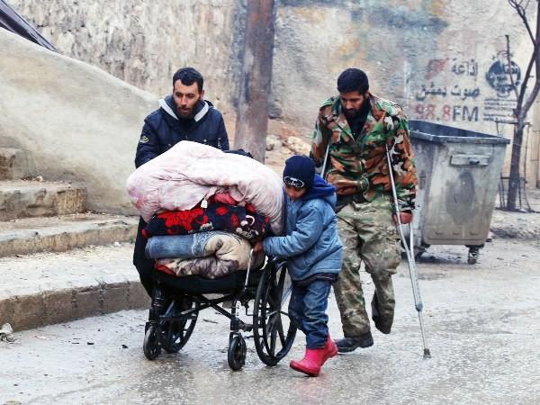 Quá trình sơ tán dân thường khỏi Aleppo đang có những thông tin trái chiều