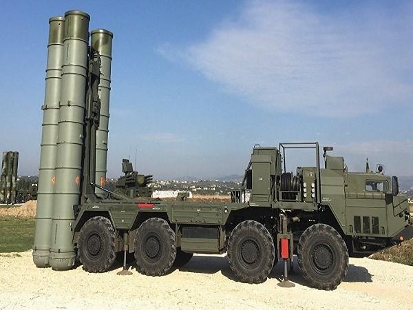 """Nga triển khai hệ thống tên lửa mới S-400 """"Triumf"""" để bảo vệ Moscow ảnh 1"""