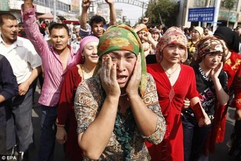"""Giới chức Tân Cương tăng cường kiểm soát biên giới để """"ngăn chặn khủng bố"""""""
