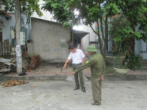 Lực lượng công an xã Bá Hiến tại hiện trường xảy ra vụ đánh ghen dã man