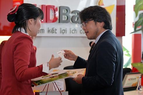 Khách ghé thăm mong muốn tìm thấy cơ hội phát triển cùng ngân hàng hàng đầu tại Việt Nam