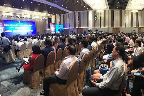 Diễn đàn Đầu tư Đà Nẵng 2017 thu hút nhiều quan khách tới tham gia và lắng nghe thông tin