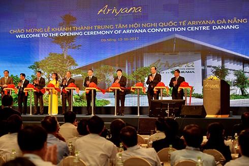 Lễ cắt băng khánh thành Cung Hội nghị Quốc tế Ariyana, công trình trọng điểm phục vụ tuần lễ cấp cao APEC 2017