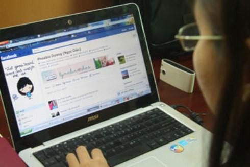 Việc dùng phổ biến Facebook ở lứa tuổi thanh, thiếu niên có thể dẫn tới những hệ lụy không ngờ, nếu thiếu sự quan tâm