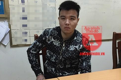 Đối tượng Tuấn không ngờ bị bắt giữ khi sắp lên được xe khách