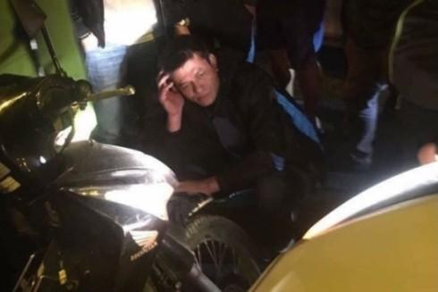 Đối tượng bị bắt giữ sau hành vi manh động cầm gạch đập vỡ kính ô tô